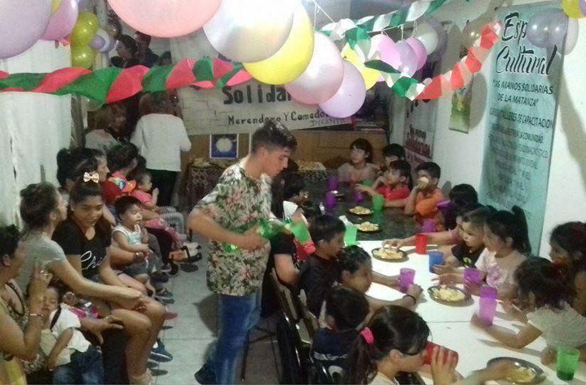 En el comedor se realizan encuentros especiales para festejar los cumpleaños.