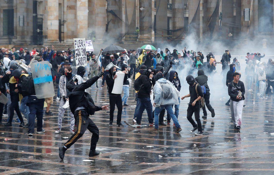Colombia: en el medio de la jornada de protestas, decretan toque de queda en Cali