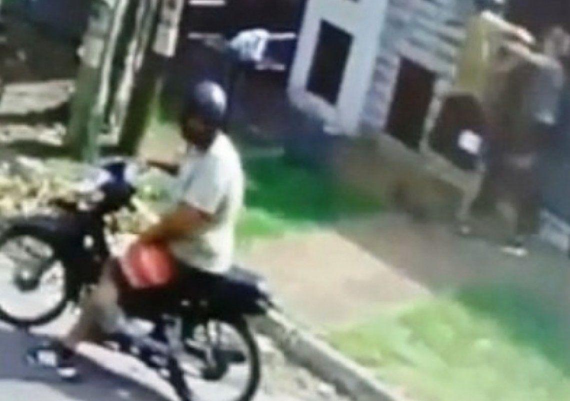 Quilmes: motochorros arrastraron a una joven durante un robo