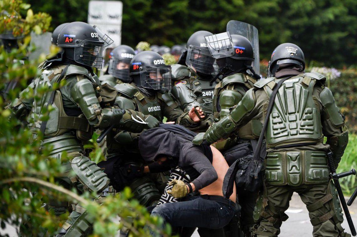 Represión en Colombia: 3 muertos y 273 heridos