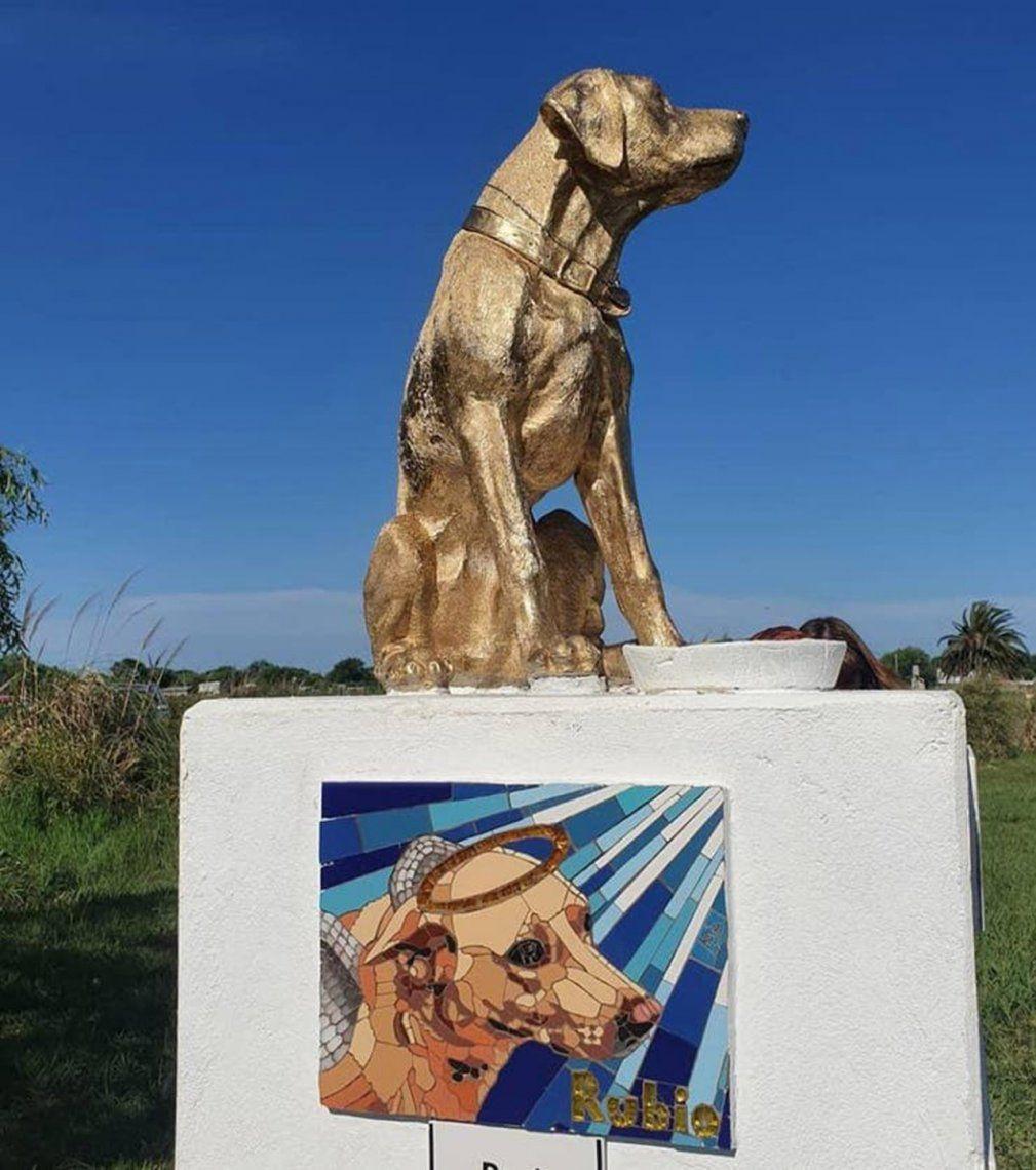 Rubio, el perro cruelmente asesinado por un comerciante que lo arrastró con su camioneta por la calle, ya tiene una estatua en su honor