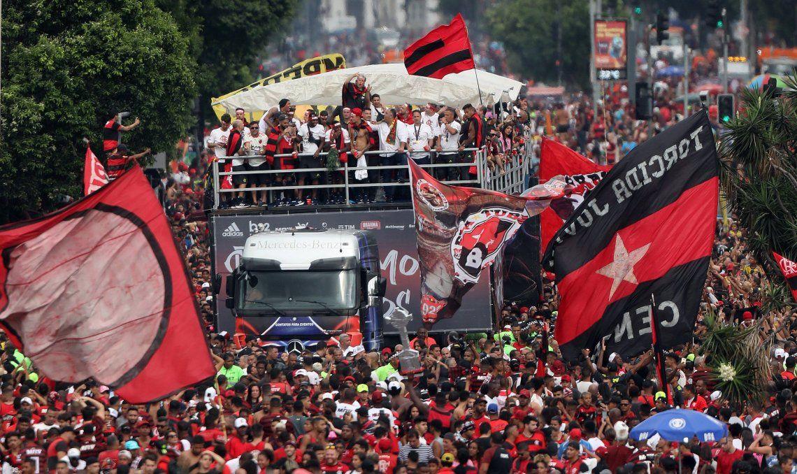 ¡Dos veces en menos de 24 horas! Flamengo también salió campeón en Brasil
