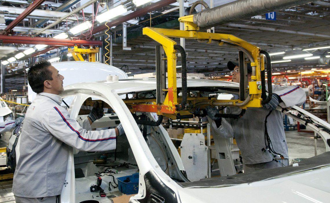 El Indec reflejó una nueva caída en la actividad económica