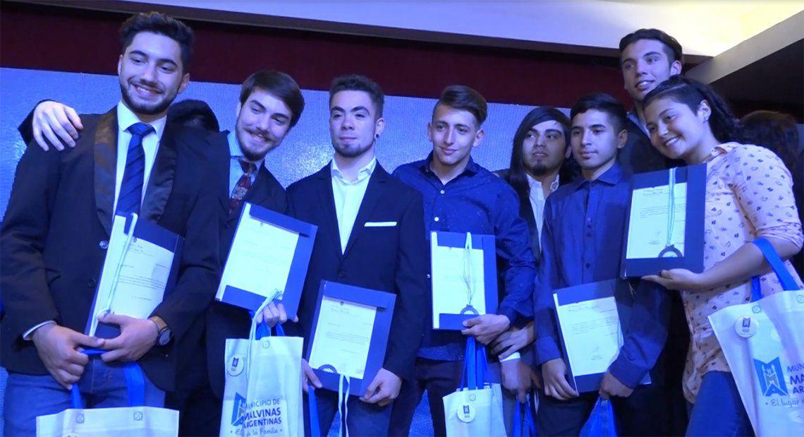 El Senado Bonaerense premió a las Escuelas Técnicas N° 1 de Grand Bourg y N°5 de Mar del Plata