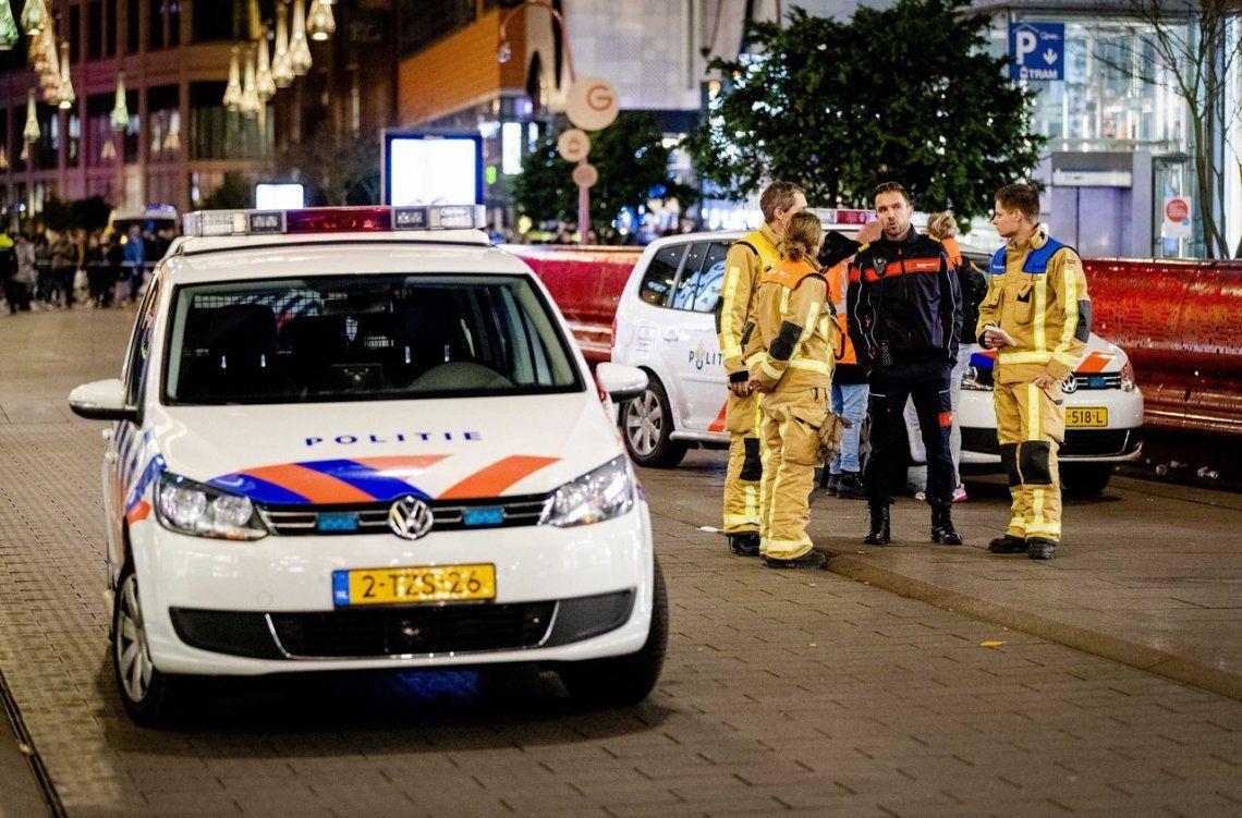 Holanda: un hombre apuñaló a varias personas en una calle comercial en La Haya