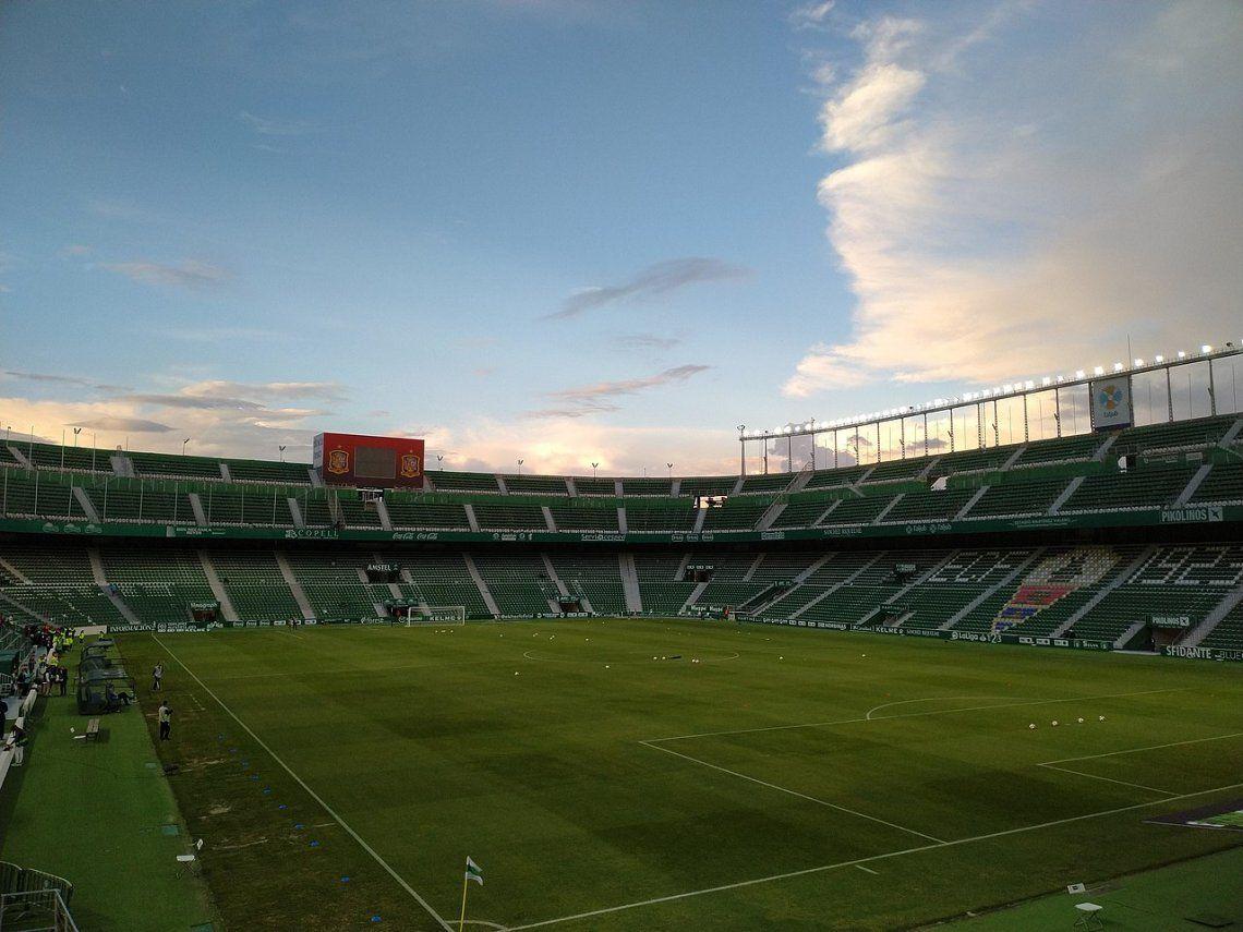 Christian Bragarnik compró la totalidad del Elche, de la Segunda División de España