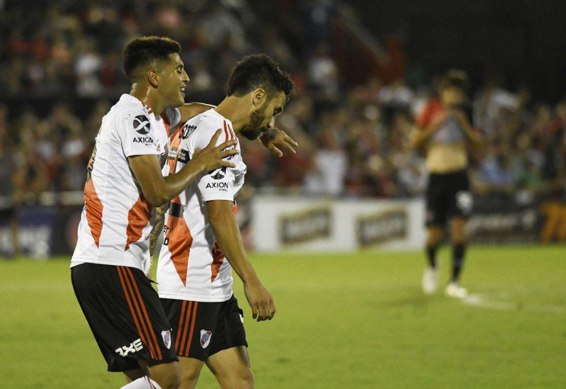 Gallardo probó a Scocco que vuelve a ser titular tras dar la vuelta en la Copa Argentina