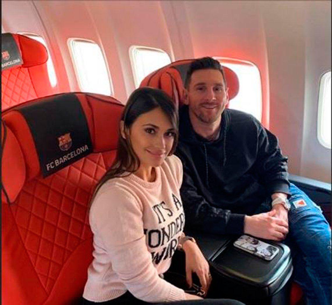 Messi, el gran candidato a ganar el Balón de Oro, viajó a Francia con Thiago, Mateo y Antonela Roccuzzo
