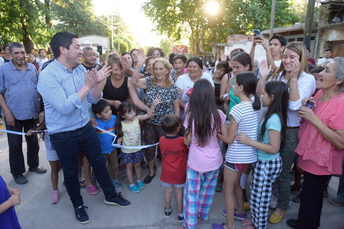 Malvinas Argentinas: Leo Nardini inauguró el pavimento de la calle Murguiondo