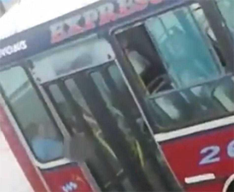 Quilmes: escracharon a un colectivero de la Línea 266 teniendo sexo