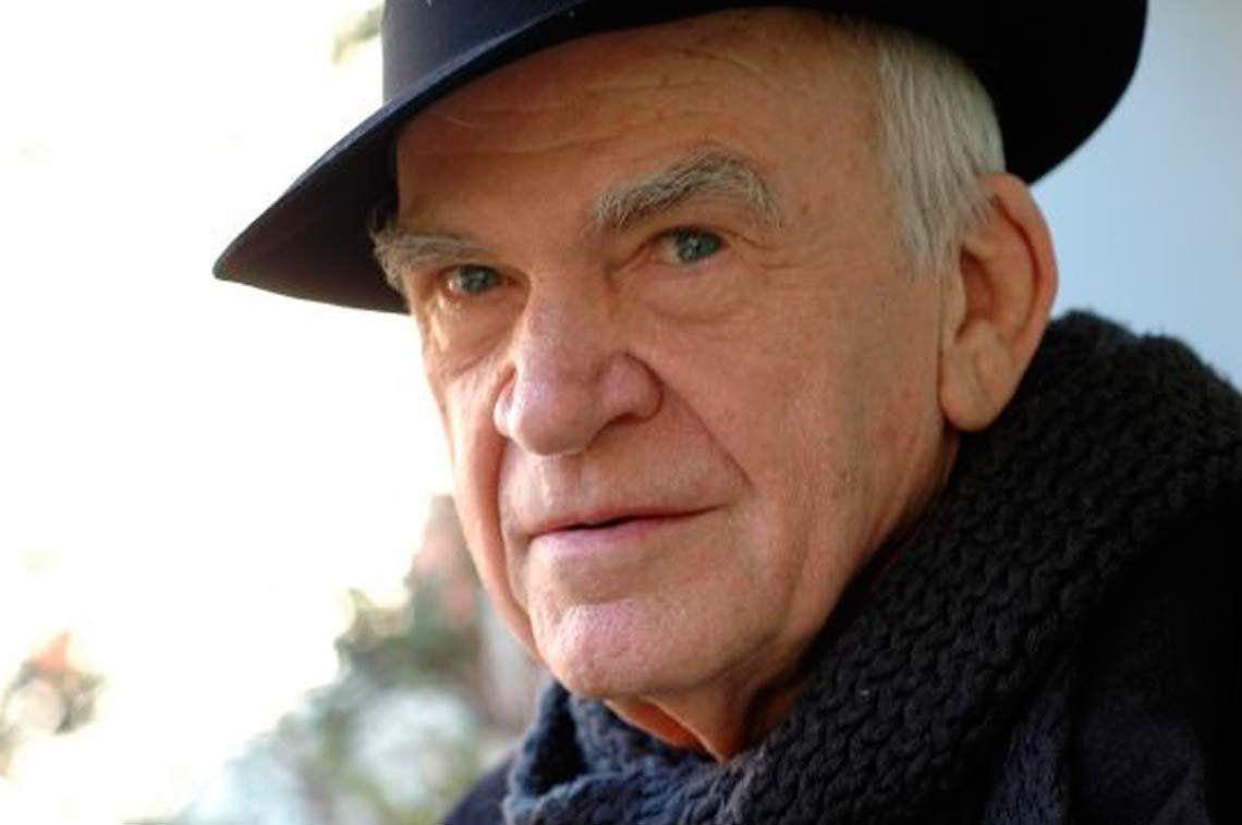 Escritor Milan Kundera recupera la nacionalidad checa