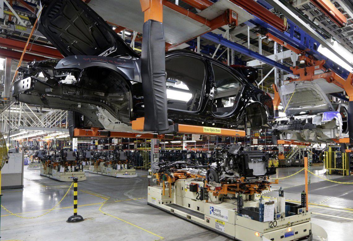 Las ventas mayoristas al mercado interno bajaron 30