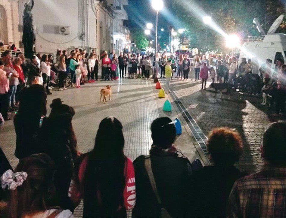 La noche del martes hubo una amplia movilización para exigir justicia.