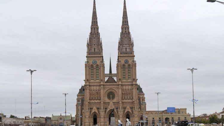 La Iglesia hará un traspaso simbólico en la Basílica de Luján.