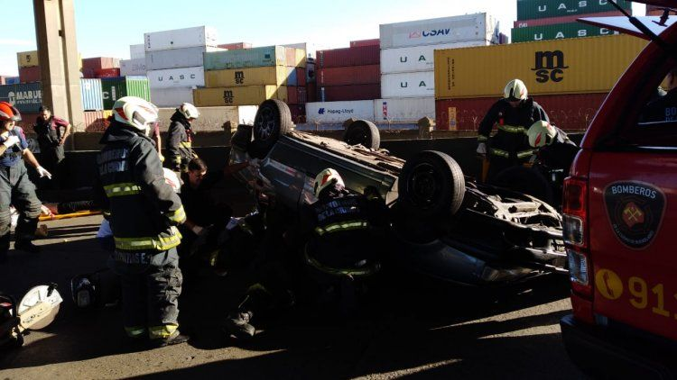 Un joven murió y otras 5 personas resultaron heridas en trágico accidente