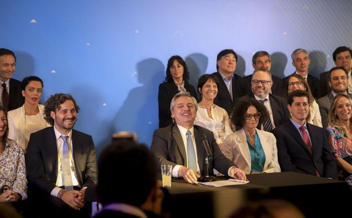 Fernández, sobre su gabinete: Tenemos ganas de salir a comernos la cancha