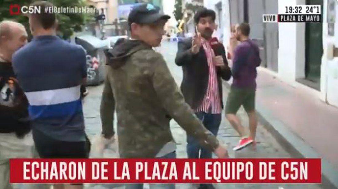 Marcha del #7D: insultan, le gritan asesino y golpean a un cronista de C5N