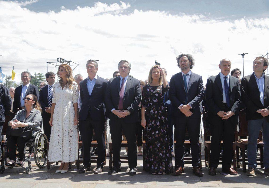 Macri y Fernández, juntos en la misa por la unidad y la paz