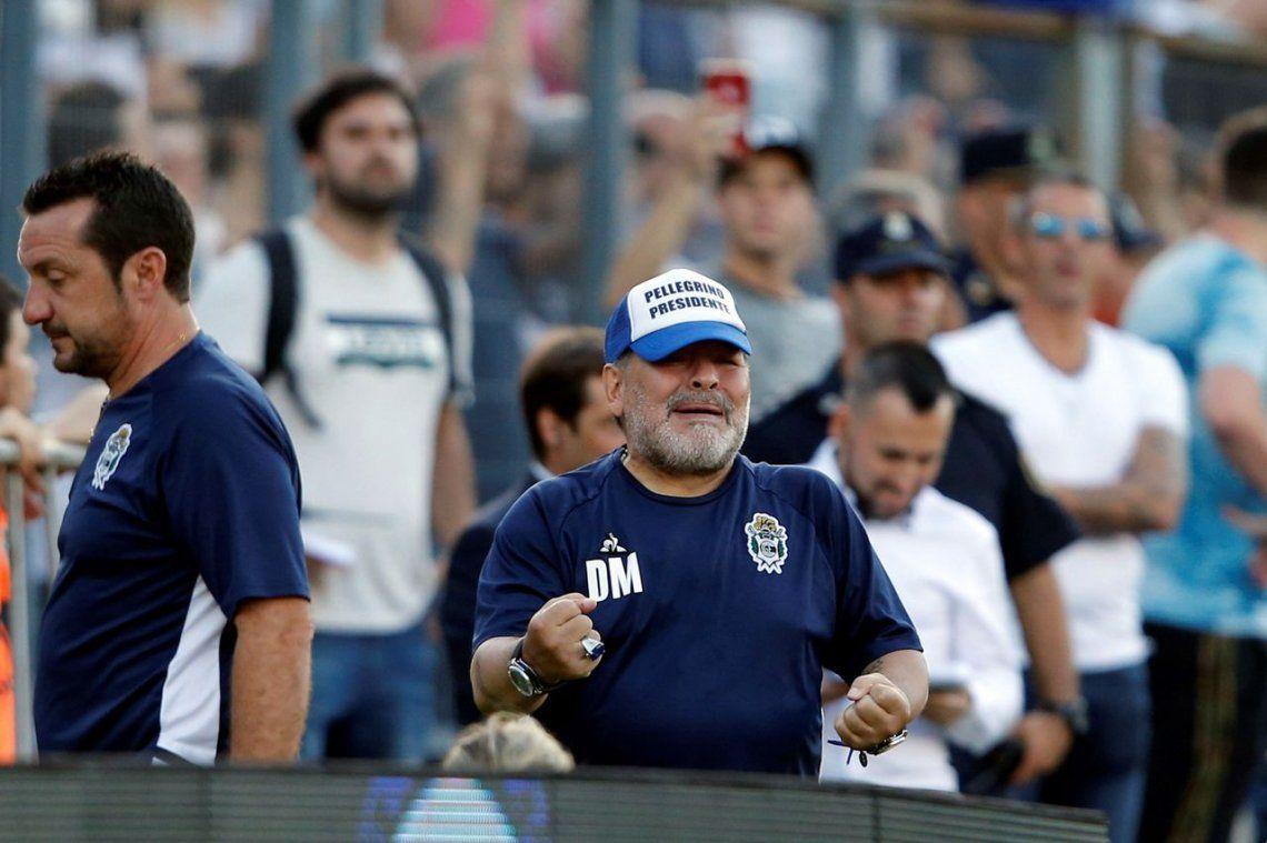 Maradona festejó en redes la asunción de Alberto y Cristina: Vamos Argentina, a darlo vuelta