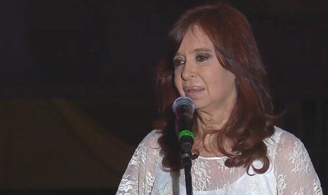 Cristina Kirchner pidió otra autorización judicial para viajar a Cuba y visitar a su hija Florencia
