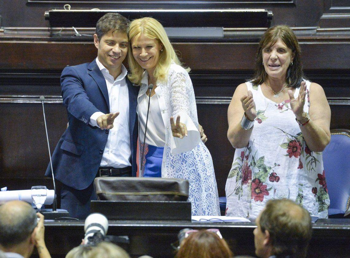 Axel Kicillof asumió como gobernador bonaerense y anunció suspensión de aumento de tarifas