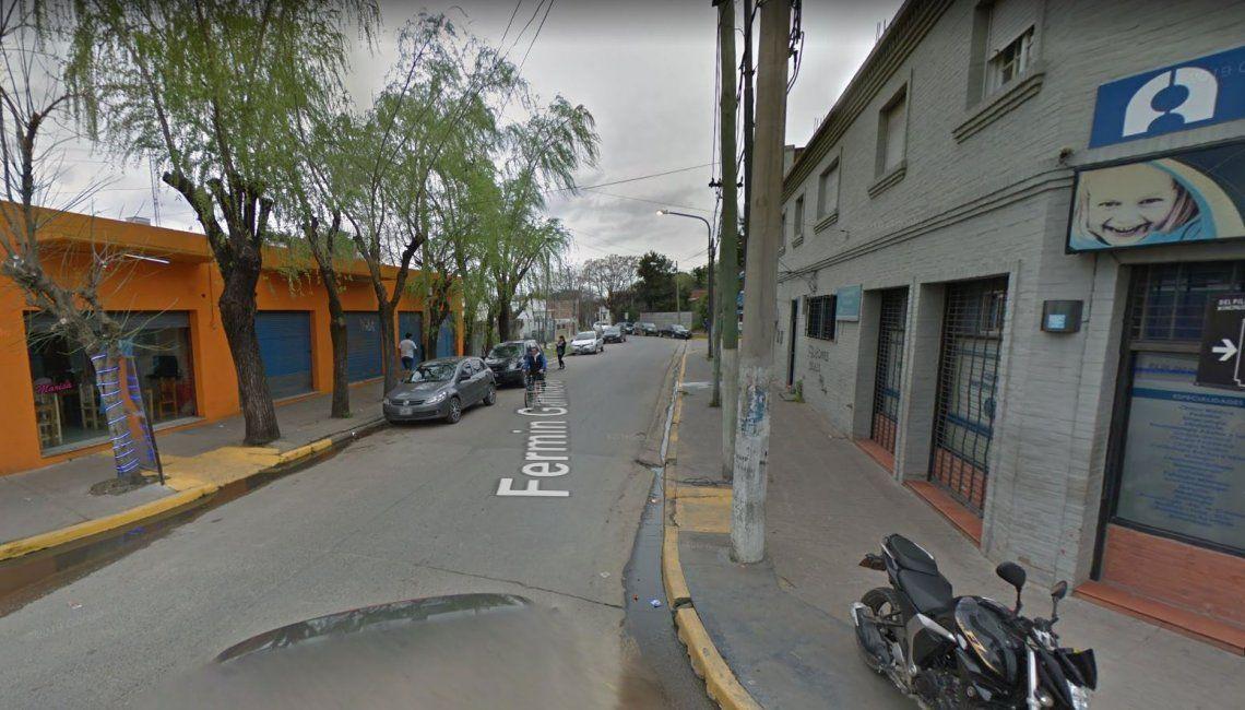 Pilar: un ex convicto mantuvo a su mujer atada en un automóvil