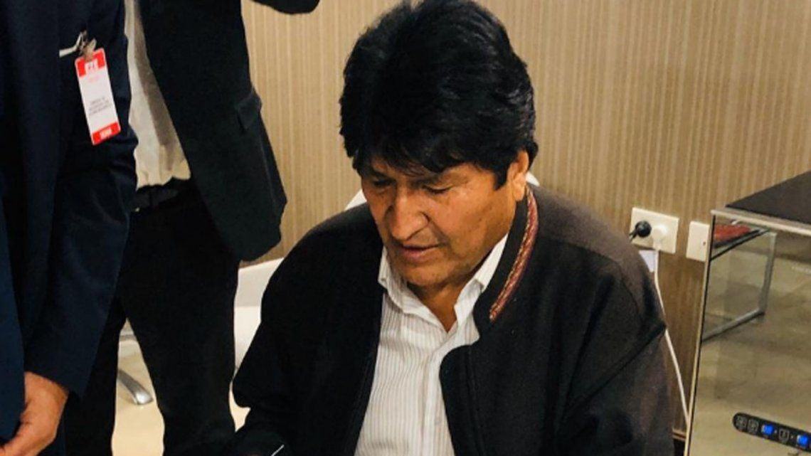 Evo Morales llegó a Argentina tras su exilio en México y tendrá la condición de refugiado