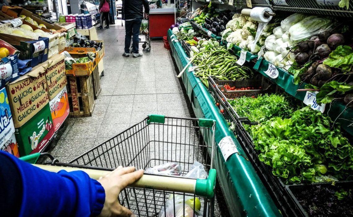 La inflación de diciembre fue de 3,7% y la de 2019 del 53,8%, la mayor desde 1991