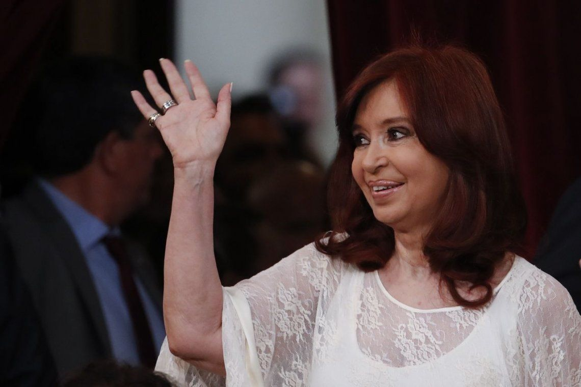 Cristina felicitó a científicos por desarrollo de test para detectar anticuerpos