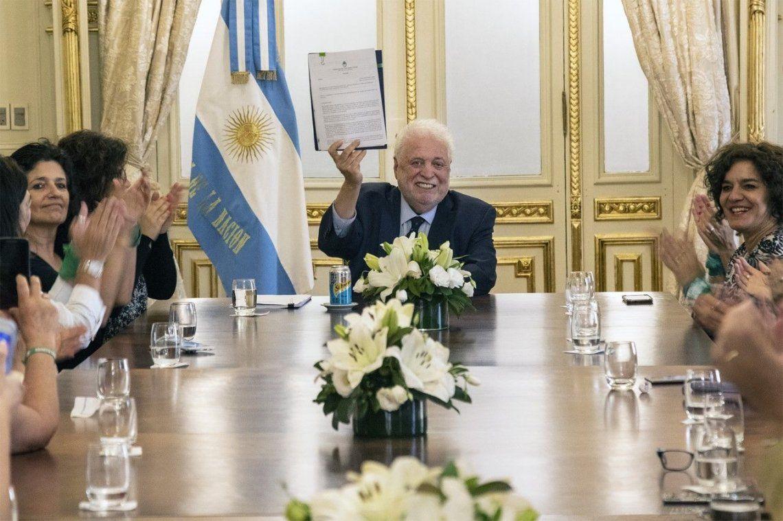 Ginés González García anunció la implementación de un protocolo actualizado del protocolo de ILE