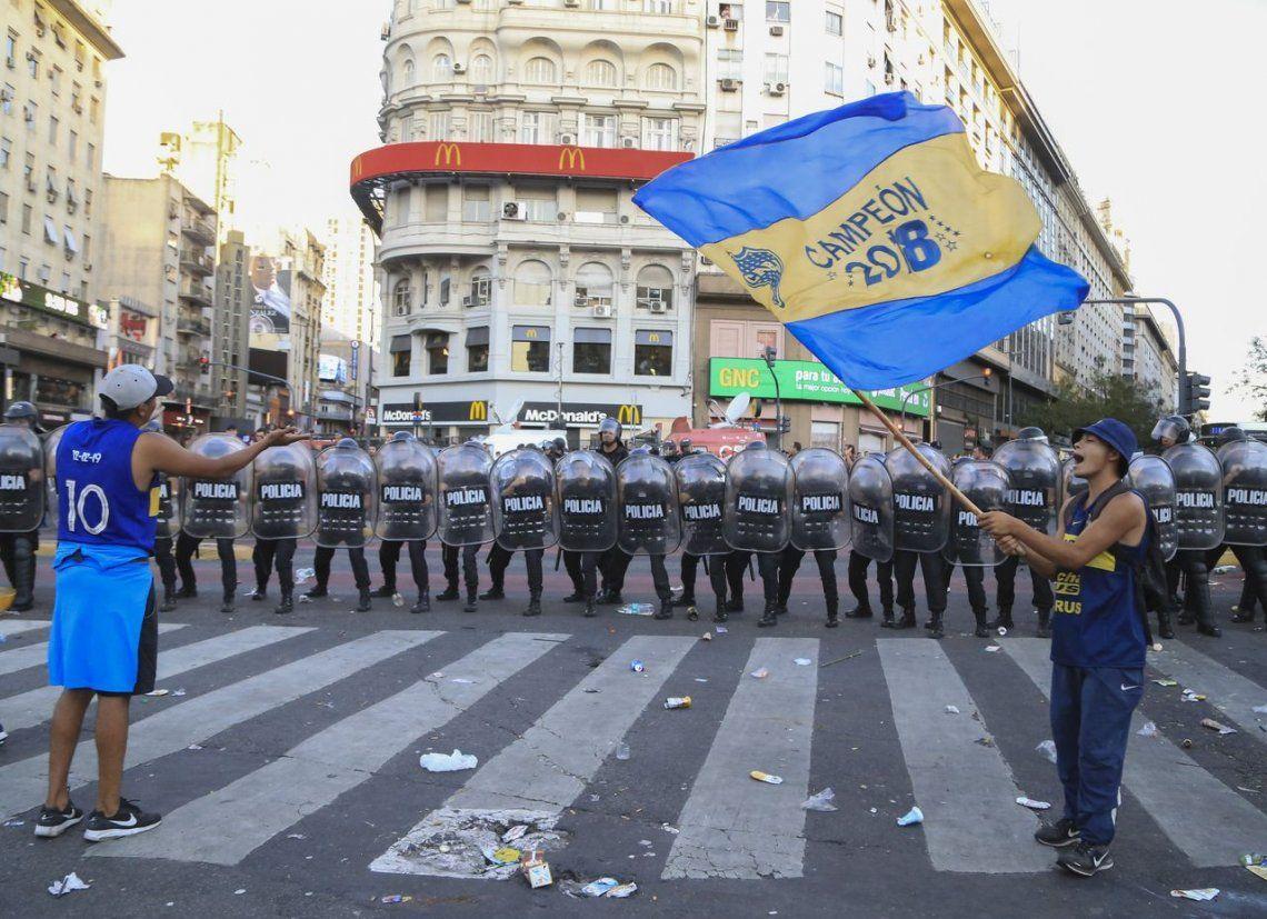 Obelisco: incidentes y el Metrobus totalmente cortado por el festejo del Día del Hincha de Boca