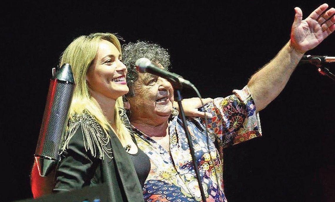 Alejada de Diego Maradona, Rocío Oliva fue a ver a Los Palmeras y confirmó un nuevo romance