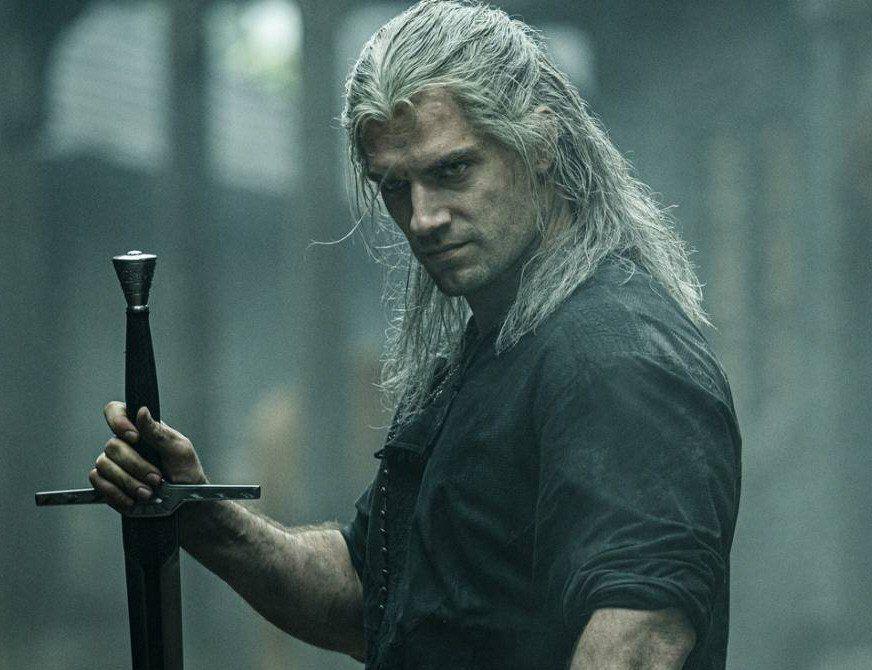 Henry Cavill es el cazador de monstruos Geralt de Rivia