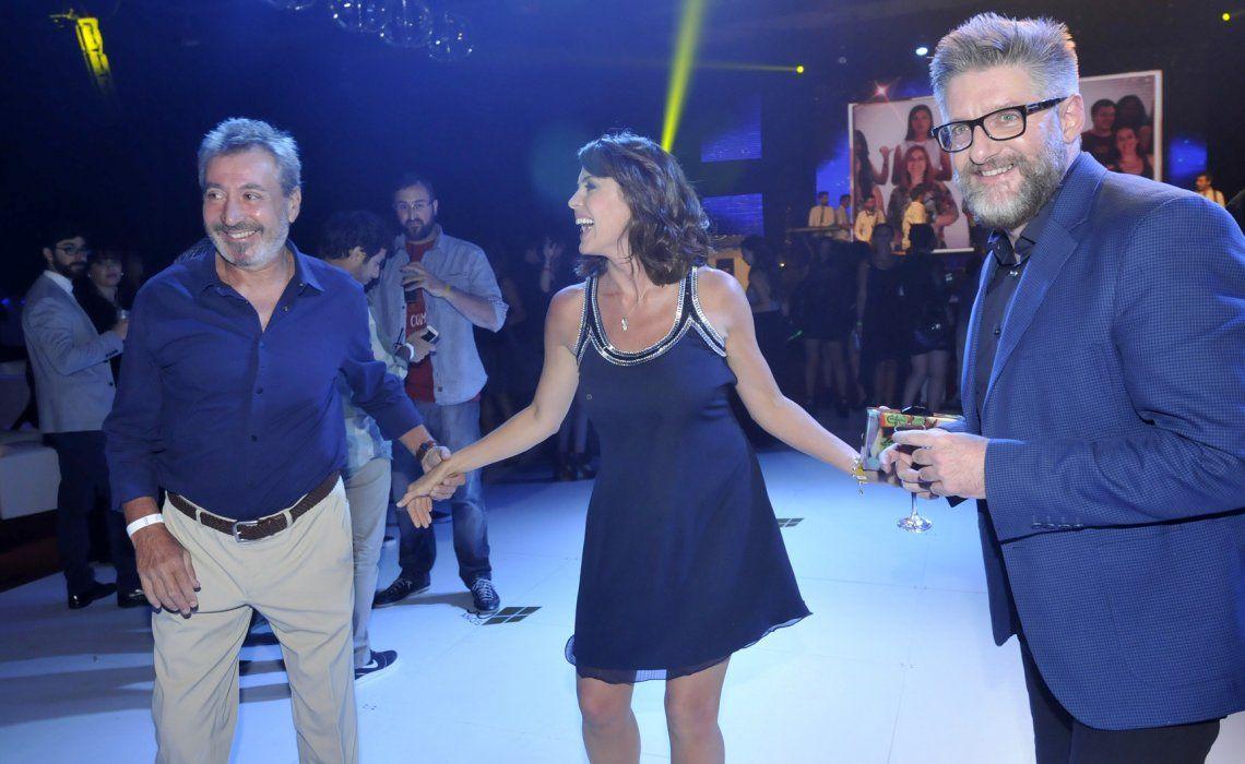 La emisora se juega por Luis Novaresio con un ciclo diario. Vila y Pamela