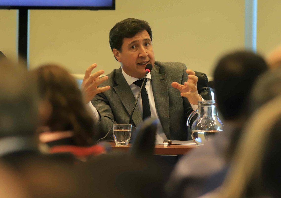 Daniel Arroyo: Hay un problema de hambre y todos los meses baja el consumo de leche