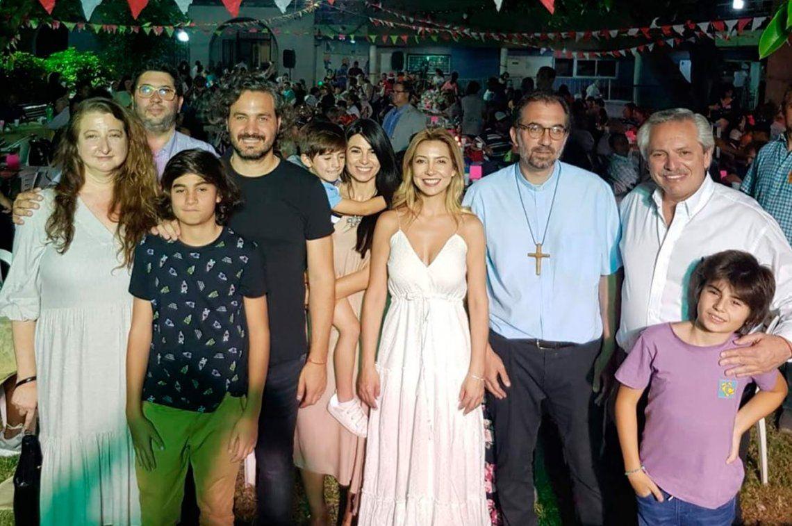 El presidente Alberto Fernández sorprendió a los fieles que esperaban la Navidad en la iglesia de San Cayetano