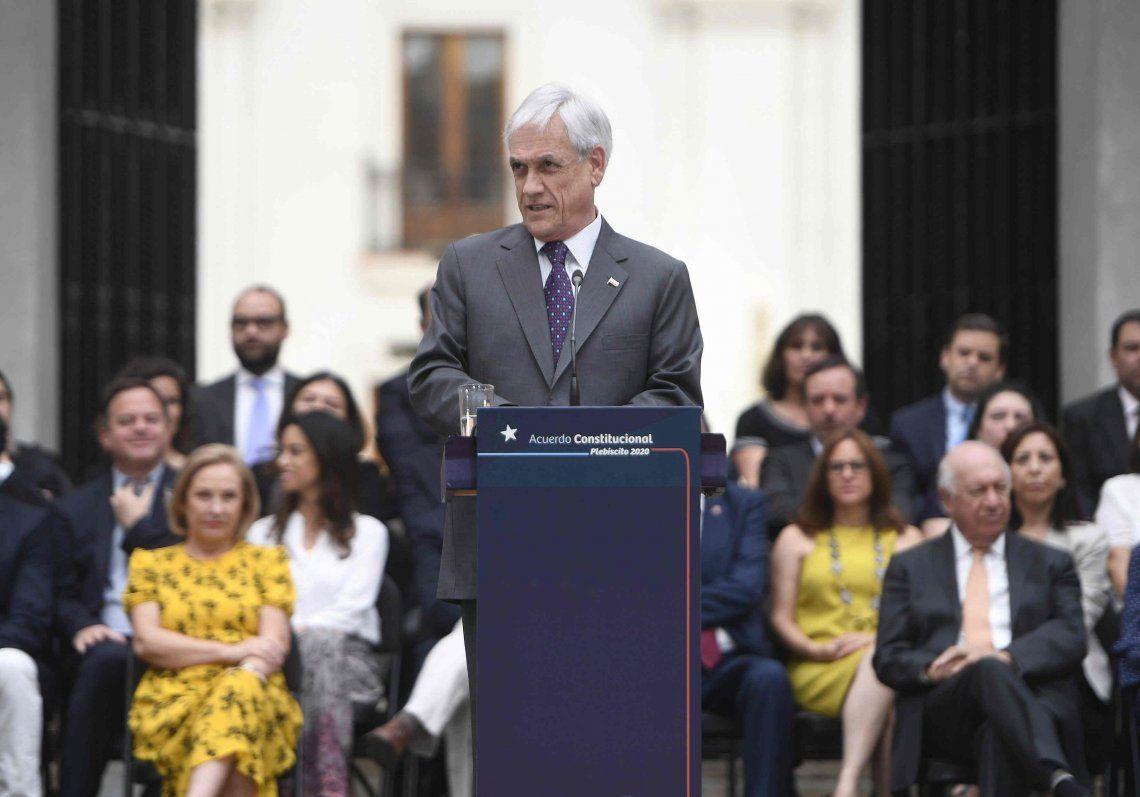 Piñera denunció que los videos de la represión son falsos, tergiversados o filmados fuera de Chile