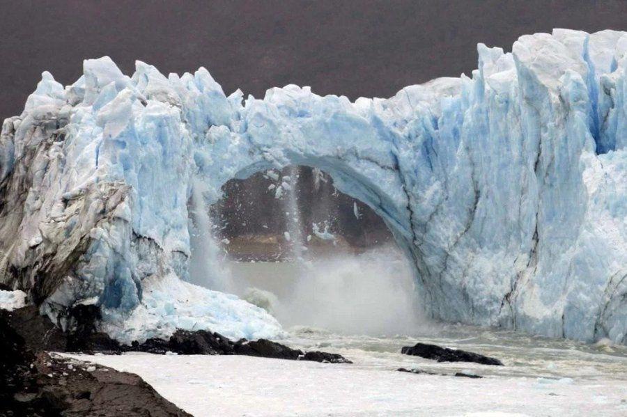 Se rompió el puente del glaciar Perito Moreno