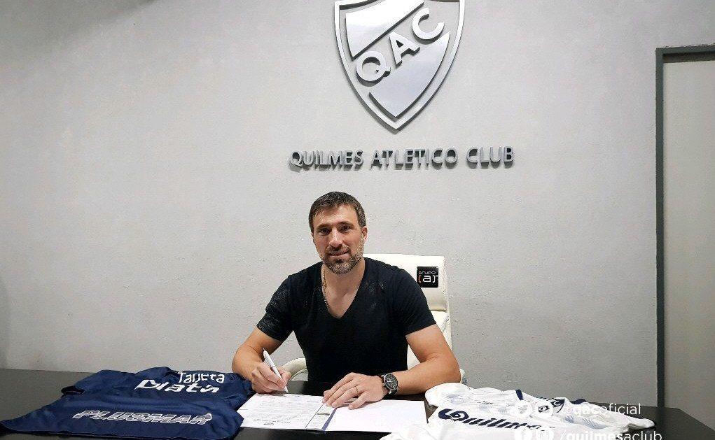 Pavone firmó por 18 meses y se sumará a la pretemporada en el Estadio Centenario.