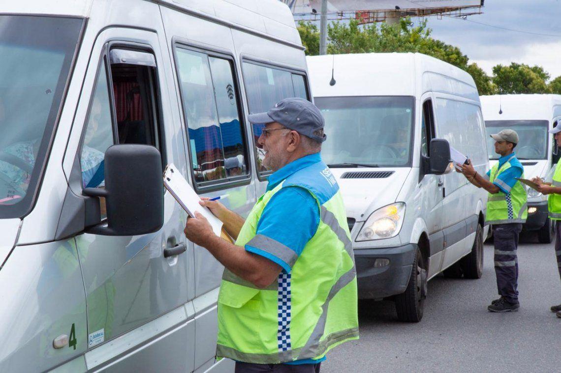 El Ministerio de Transporte reforzó los operativos para año nuevo con controles de alcoholemia y descanso a conductores