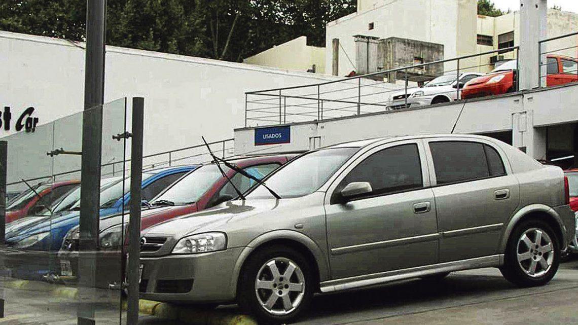 Pese a la crisis, se mantuvo la venta de autos usados