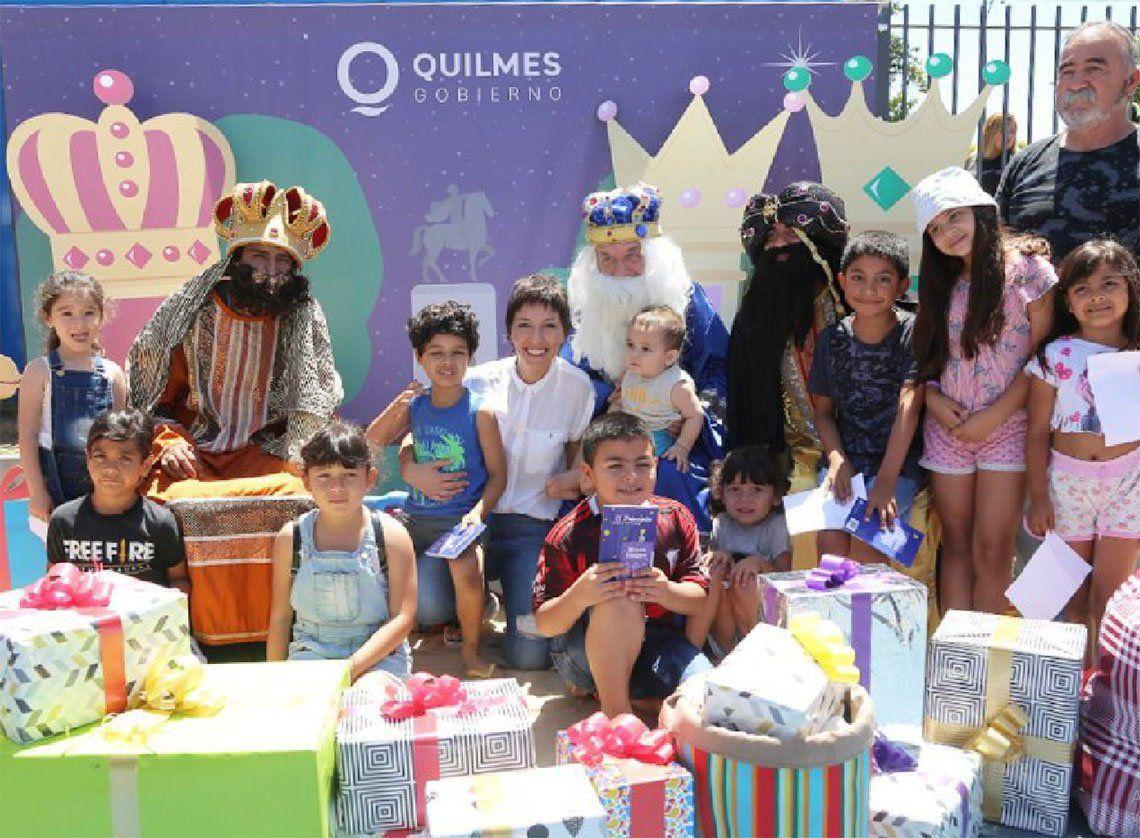 Quilmes: los Reyes Magos de recorrida, junto a Mayra Mendoza