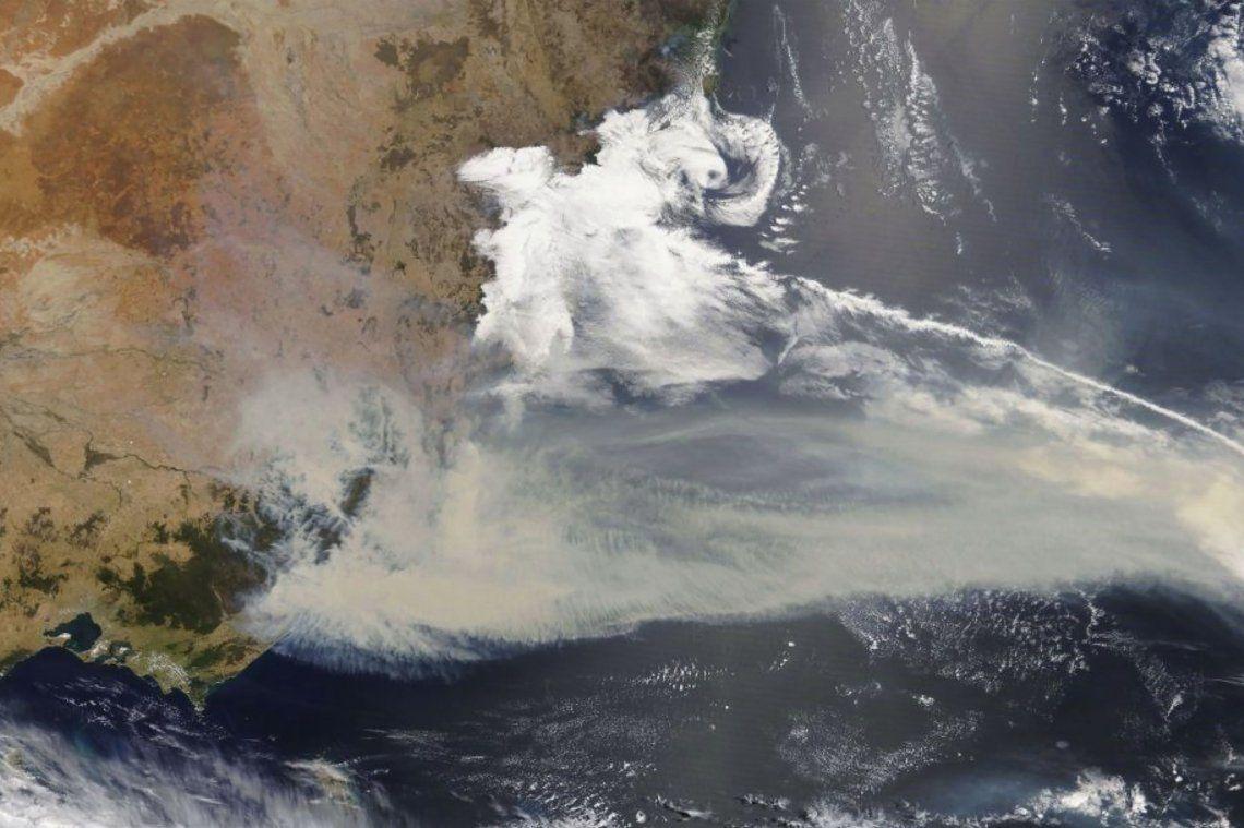Un continente cubierto de humo: la NASA publicó imágenes satelitales del incendio en Australia