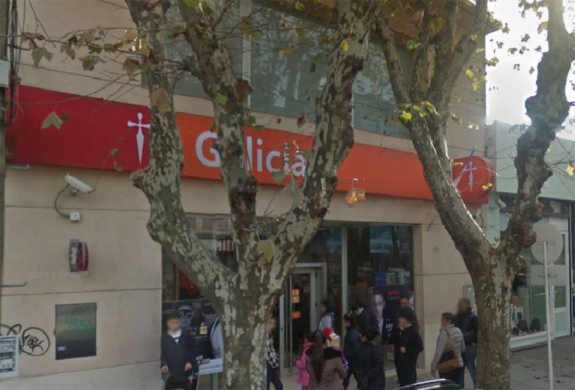 Esteban Echeverría: lo asaltaron y lo amenazan por el celular que perdió el ladrón