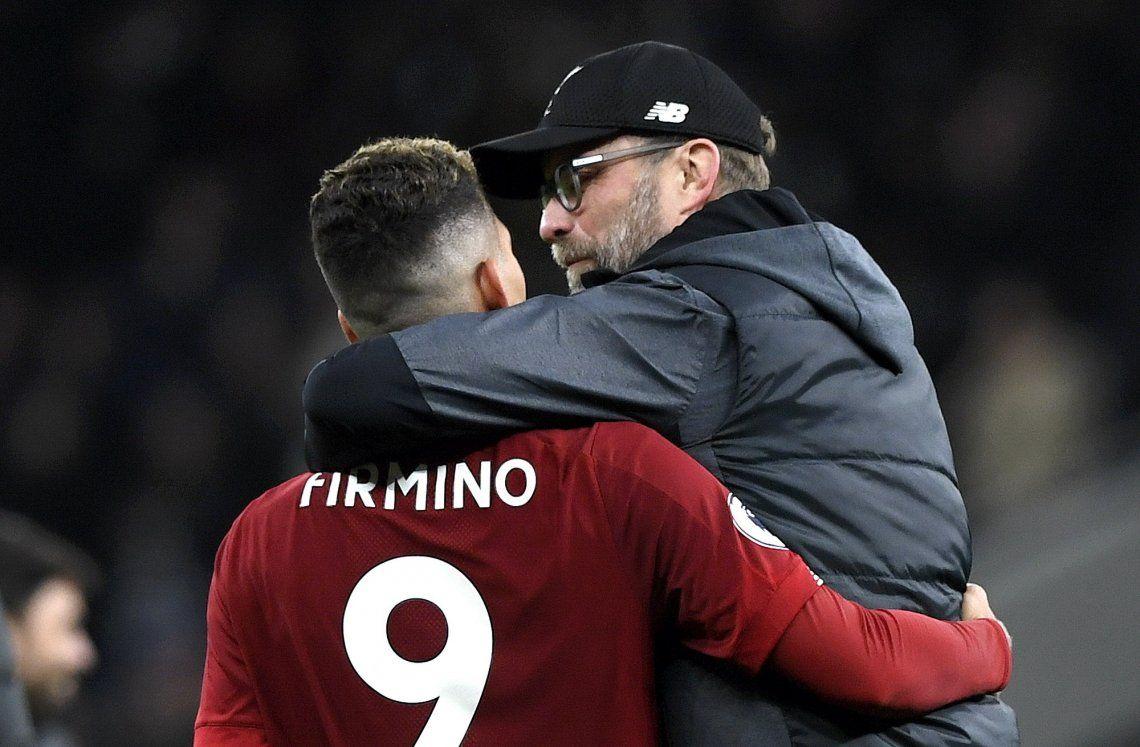 Gracias a Firmino, Liverpool marcó el mejor arranque de la historia de la Premier League tras superar a Tottenham