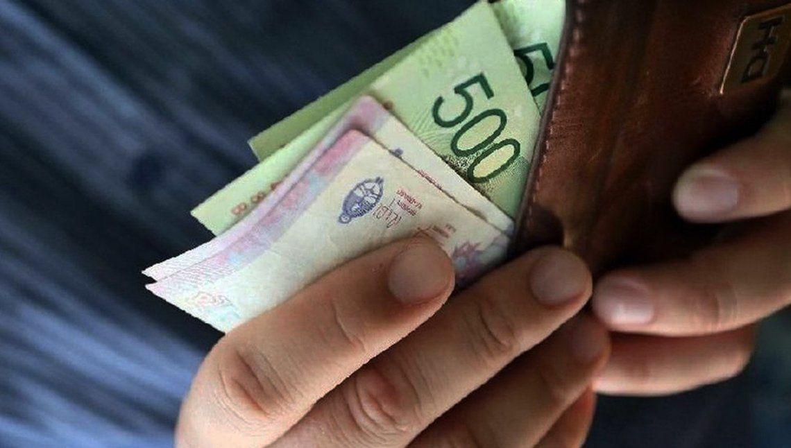 Advierten que el salario real cayó más del 8% en 2019
