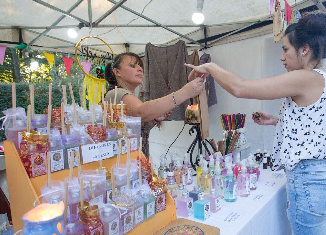 Berazategui: nueva edición de la Feria Emprender en la Plaza Rigolleau