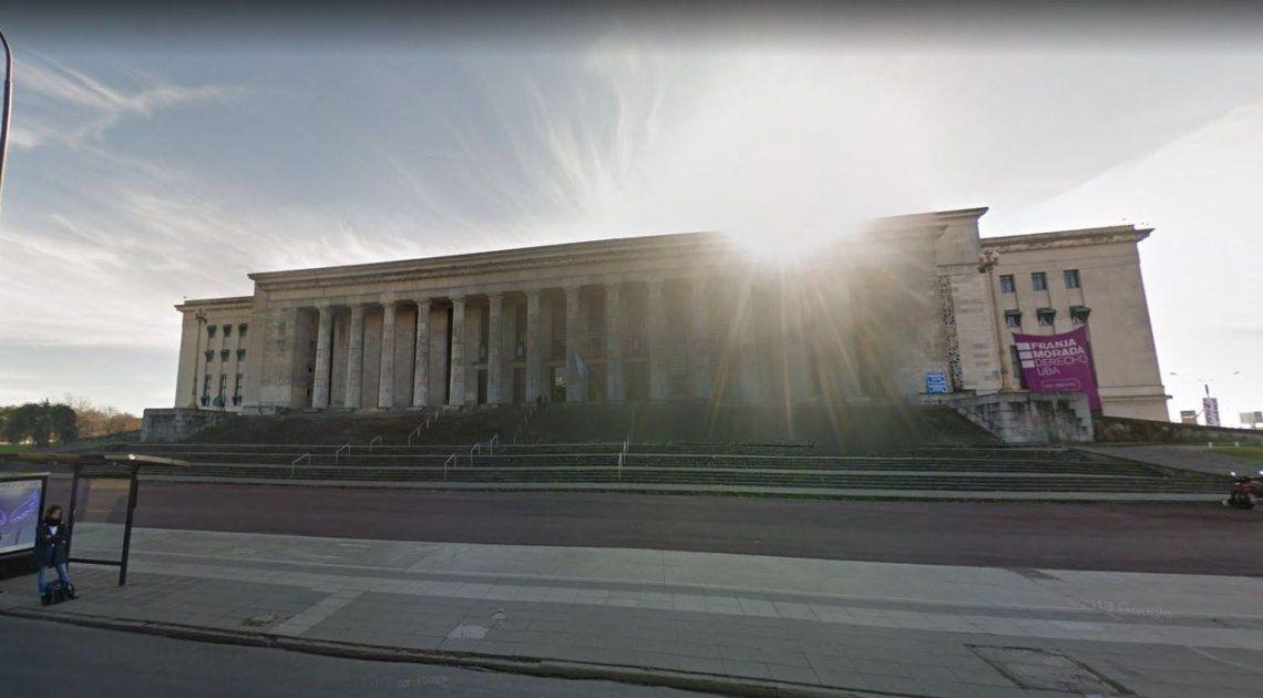 Detienen a dos hermanos acusados de apuñalar a un turista australiano