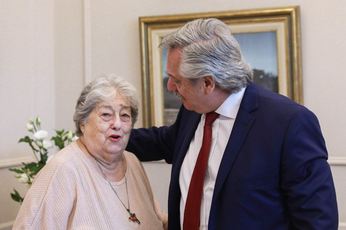 Alberto Fernández destacó la honestidad de Hebe de Bonafini