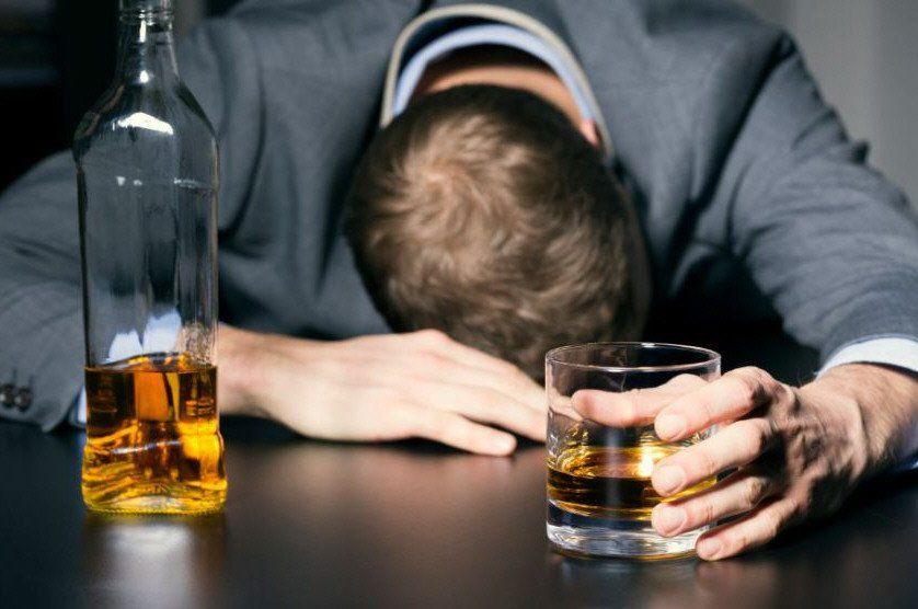 Las personas sobrepasadas de alcohol tienen una oportunidad de volver al estado de sobriedad.